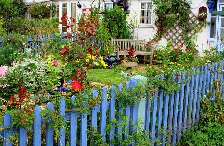 Image Result For Aluminum Fence Installation Cost Per Foot