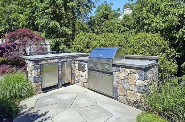 l shaped outdoor kitchen 37 Outdoor Kitchen Ideas & Designs (Picture Gallery