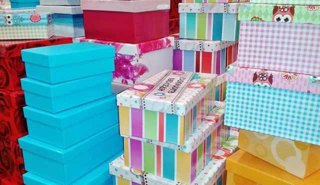 Ucuz yatak odası depolama için DIY hediye kutuları