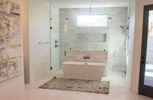 Çift kapılı buharlı duş