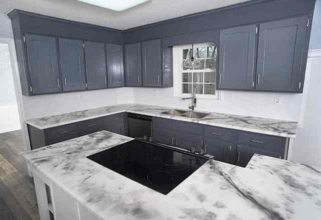 Epoksi mutfak tezgahı gri dolaplı L şeklinde mutfak