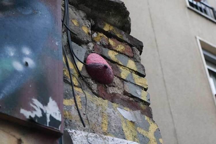 Paris street art boobs