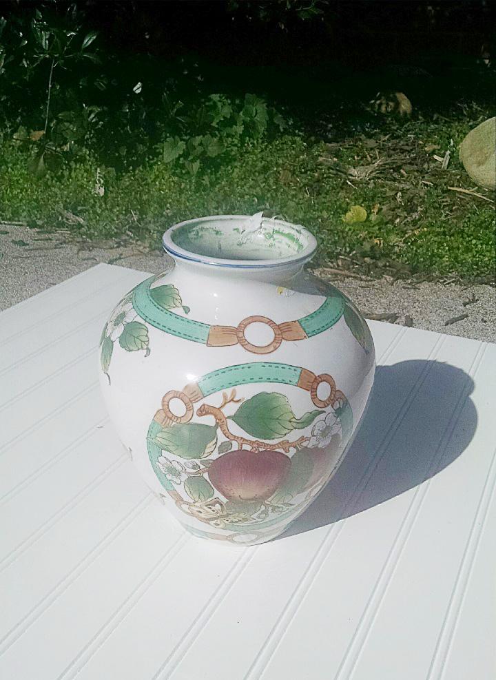 cheap diy centerpiece vase makeover