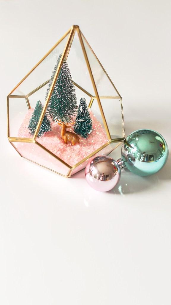 modern christmas decor ideas. DIY terrarium.