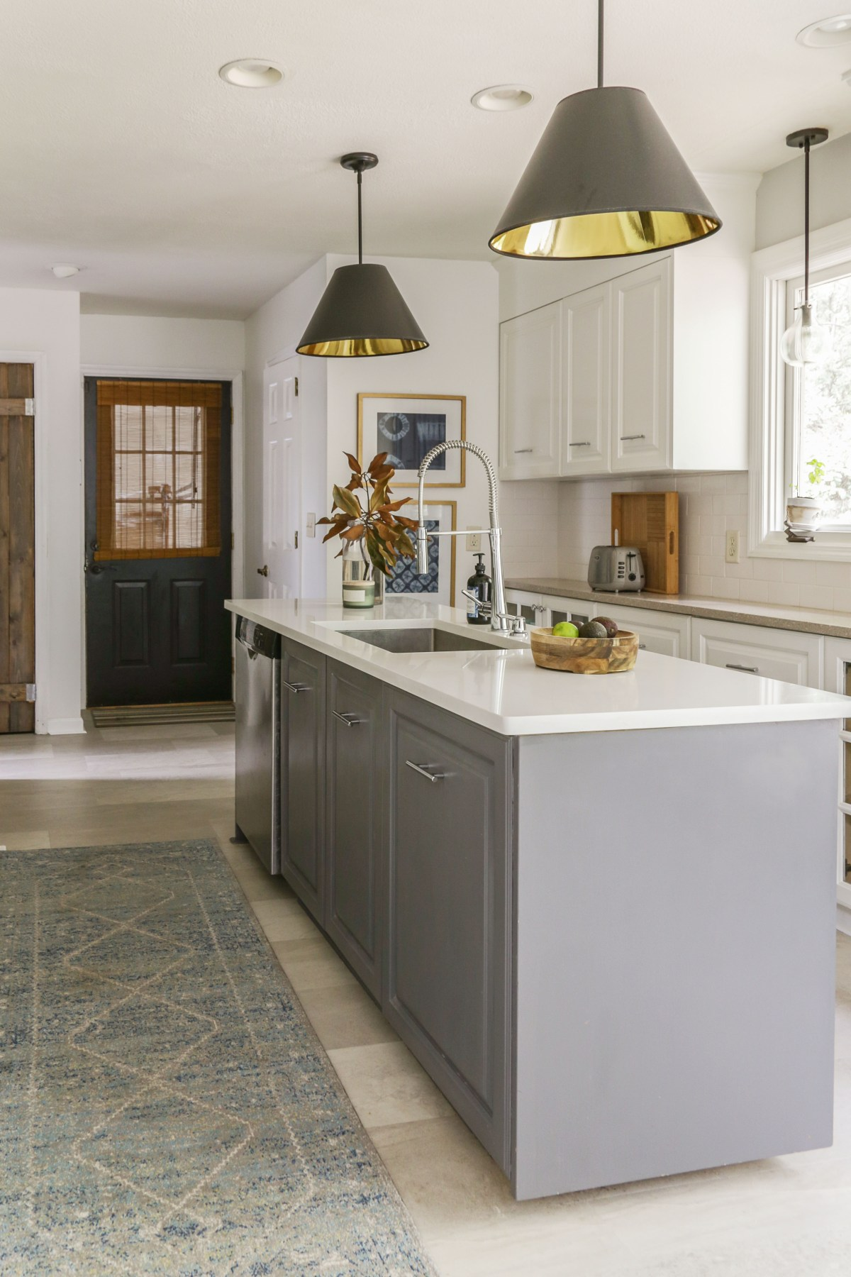 Cool An Honest Review Of My Milk Paint Kitchen Cabinets One Year Home Remodeling Inspirations Basidirectenergyitoicom
