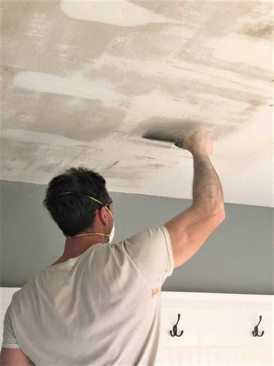 How To Remove Popcorn Ceilings Like A Pro Smoothing Textured Ceilings
