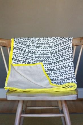DesignJoyBlog_DIY Throw Blanket 5