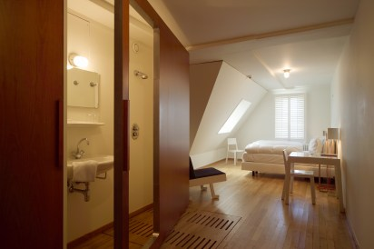 DesignJoyBlog // Lloyd hotel Amsterdam 3 star room - Allard van der Hoek