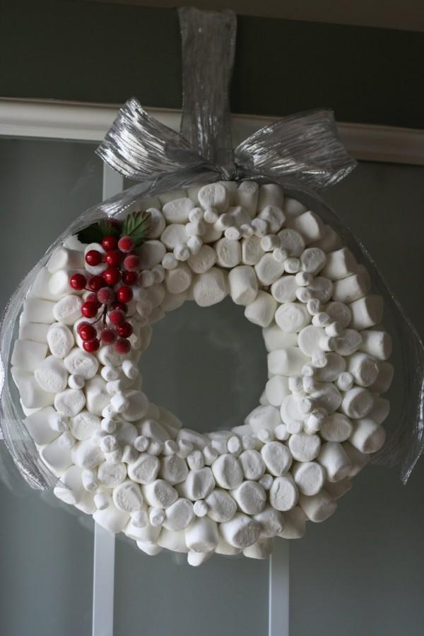 2011 Inspirational Enchanting Christmas Wreaths Interior