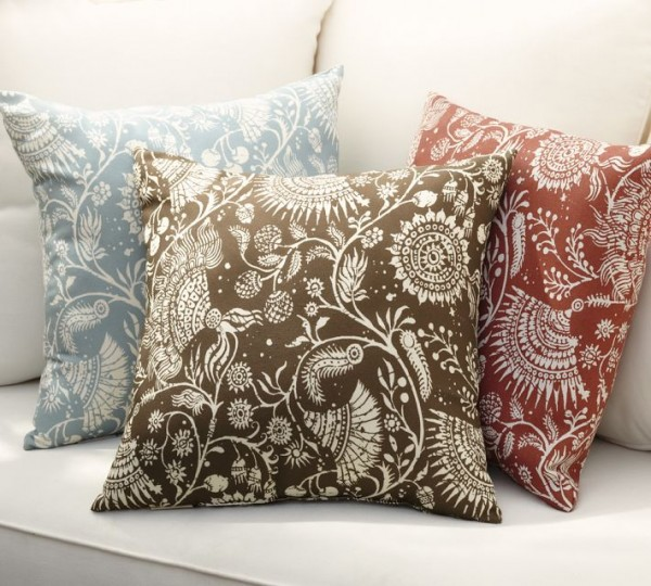 outdoor-pillow-floral