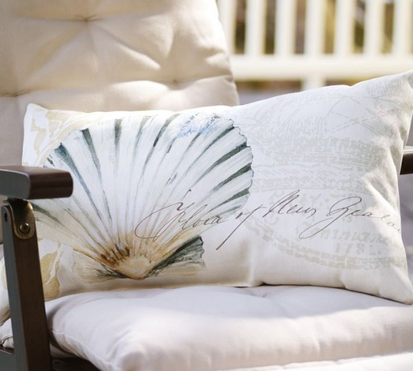outdoor-pillow-shell-decoupage