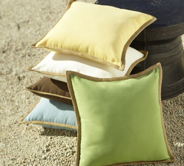 outdoor-pillow2