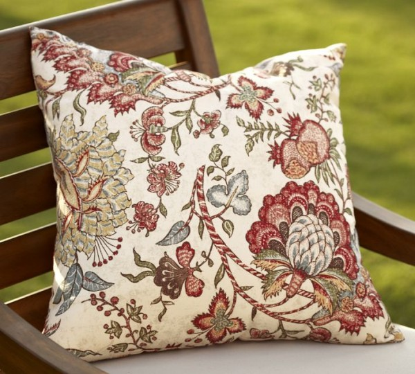 outdoor-pillows-flowers1