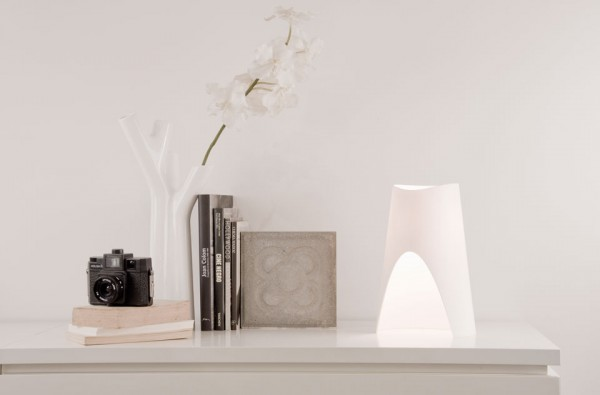 Table-lamp-by-Oriol-Llahona-02