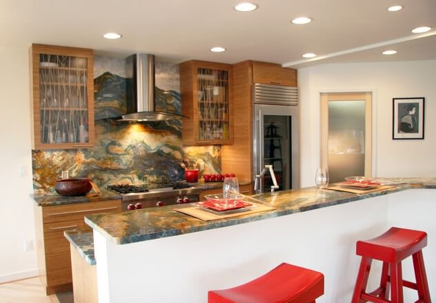 Asian-kitchen-with-red-touches
