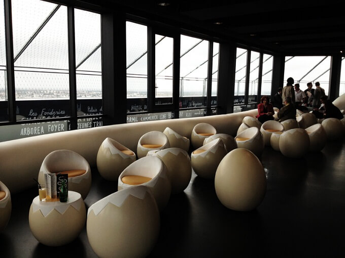 Bar-seats-in-shape-of-an-egg