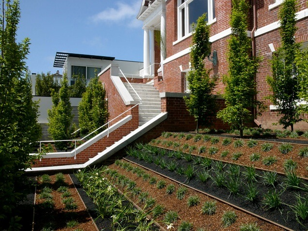 Entry-garden-idea-with-forma-patterns