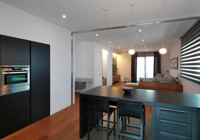 Minimalist-black-kitchen-furnishings