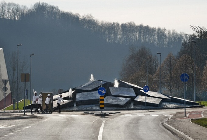 Roundabout-design-in-Slovenia-03
