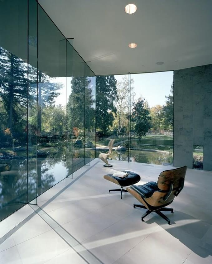 Living-space-with-lake-view