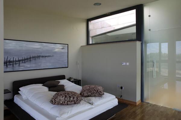 Minimalist-bed