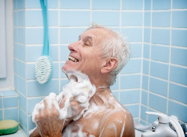 Shower-Bathtub-old_man