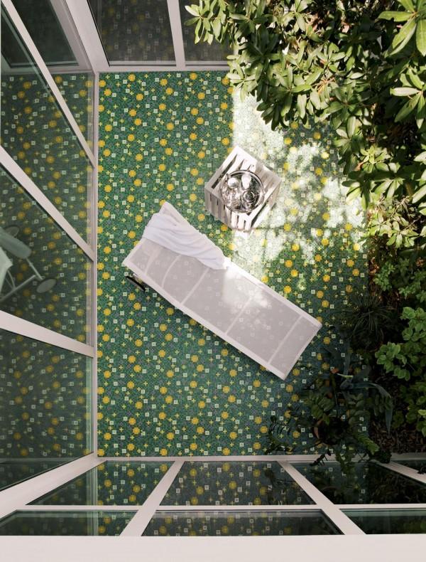 Focus-on-mosaic-tiles-1