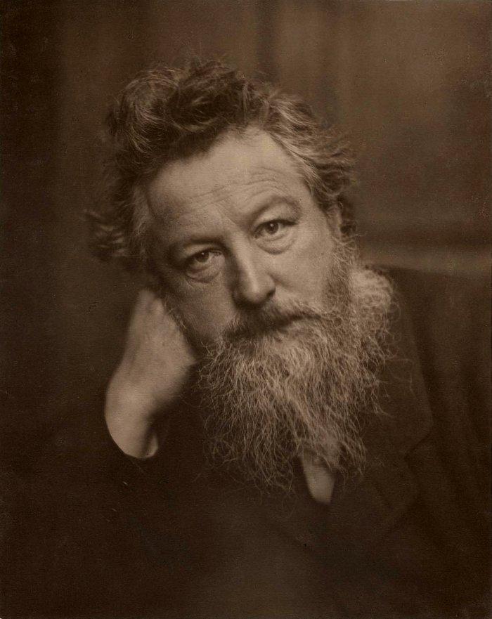 Design Luminy William-Morris-par-Frederick-Hollyer-1887-age-53 William Morris - Comment nous vivons. Comment nous pouvons vivre. Histoire du design Références Textes  William Morris Arts & Crafts