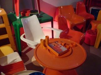 Design Luminy P1060516 Plasticarium - Adam Museum - Bruxelles Histoire du design Références  Plastique Plasticarium Philippe Decelle Bruxelles