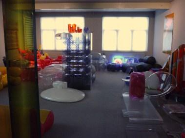 Design Luminy P1060524 Plasticarium - Adam Museum - Bruxelles Histoire du design Références  Plastique Plasticarium Philippe Decelle Bruxelles   Design Marseille Enseignement Luminy Master Licence DNAP+Design DNA+Design DNSEP+Design Beaux-arts