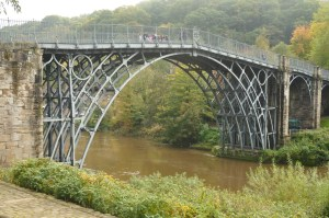 Design Luminy Pont-de-Coalbrookdale-1779-Thomas-Farnolls-Pritchard-archi-1723-1777-John-Wilkinson-ing-1728-1808-300x199 Évaluation semestre 3 – 2020/21