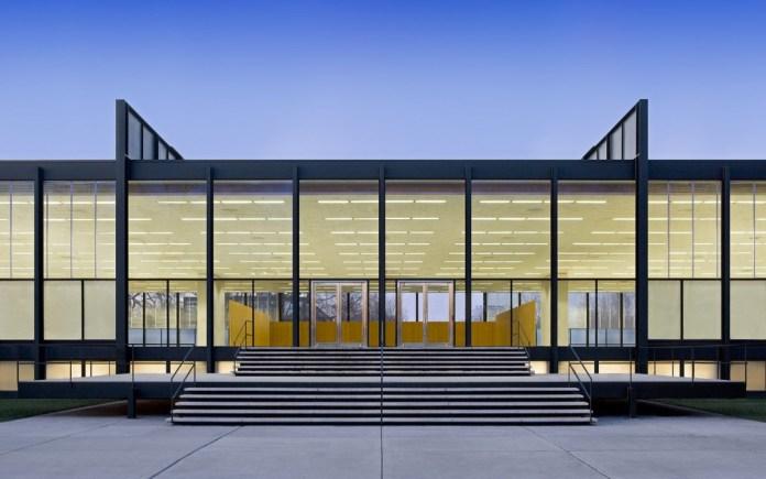Design Luminy Crown-Hall-Mies-1956-800x500 LudwigMies van der Rohe (1886, Aix-la-Chapelle -1969, Chicago) Histoire du design Références Textes  Mies van der Rohe