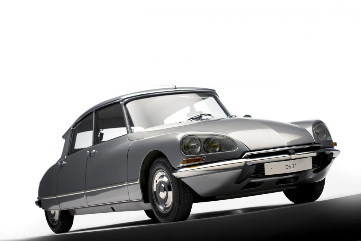 Design Luminy DS-21-Citroen La nouvelle Citroën - Roland Barthes, 1957 Histoire du design Références Textes  Roland Barthes Mythologies DS