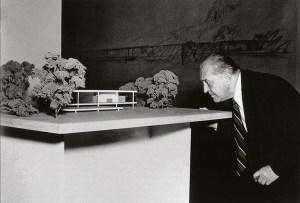 Design Luminy Mies-Farnsworth LudwigMies van der Rohe (1886, Aix-la-Chapelle -1969, Chicago) Références  Mies van der Rohe   Design Marseille Enseignement Luminy Master Licence DNAP+Design DNA+Design DNSEP+Design Beaux-arts