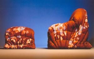 Design Luminy sit-down-300x190 Gaetano Pesce (1939-) — Séries différenciées Histoire du design Icônes Références  Gaetano Pesce