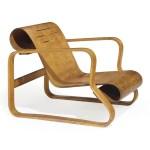 "Design Luminy 2012_NYR_02636_0153_000alvar_aalto_paimio_scroll_a_birch_armchair_designed_1931-32 Fauteuil ""Paimio"" (1932) - Alvar (1898-1976) et Aino Aalto (1894-1949) Histoire du design Icônes Références  Paimio Artek Alvar Aalto Aino Aalto"
