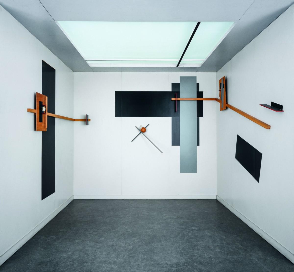 Design Luminy 25_el_lissitzky_prounenraum_1923_coll_van_abbemuseum_eindhoven_ph_peter_cox Proun Raum (1923) - El Lissitzky (1890-1941) Histoire du design Références  Proun Raum Proun El Lissitsky Constructivisme