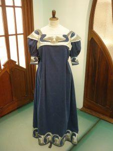 Design Luminy Van-de-Velde-robe-e1577181473734