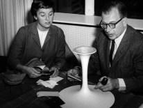 Design Luminy eero-saarinen-florence-knoll3_21656937851_o Chaise Tulipe 1956 – Eero Saarinen (1910-1961) Histoire du design Icônes Références  Tulipe Knoll Eero Saarinen