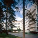 "Design Luminy paimio-sanatorium-main-entrance-photo-maija-holma-alvar-aalto-museum-988x659 Fauteuil ""Paimio"" (1932) - Alvar (1898-1976) et Aino Aalto (1894-1949) Histoire du design Icônes Références  Paimio Artek Alvar Aalto Aino Aalto"
