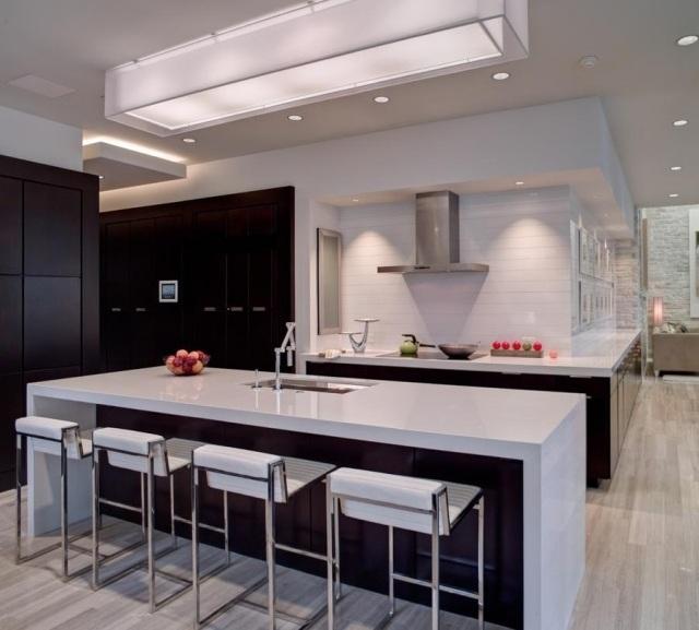 Led pour cuisine vous pouvez voir sur la gauche un plan for Plafonnier pour cuisine