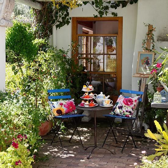 Garden Sheds Decorating Ideas