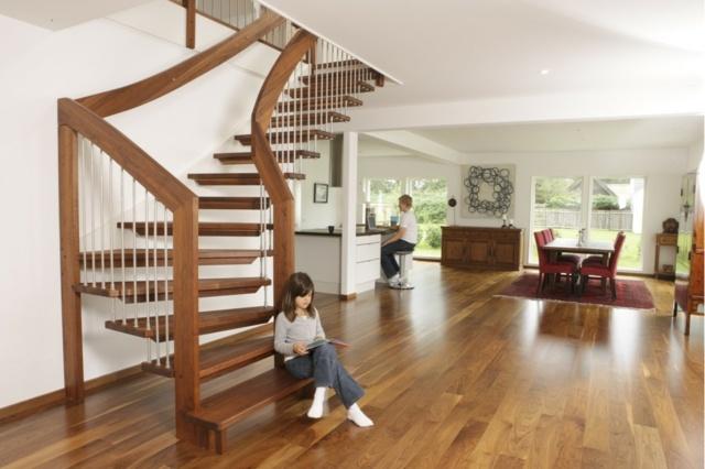Escalier bois  unique esthtique et rsistant
