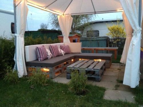 Fabriquez Votre Salon De Jardin Grace A La Palette Bois