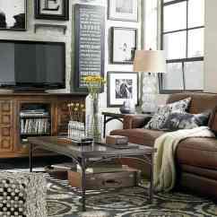 Brown Leather Sofa Color Restoration Chesterfield Oxblood Déco Cocooning Pour Une Maison Accueillante
