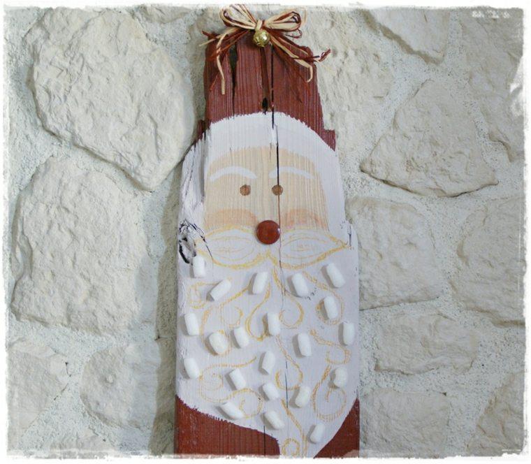 Dcoration de Nol en bois pour une fte cologique