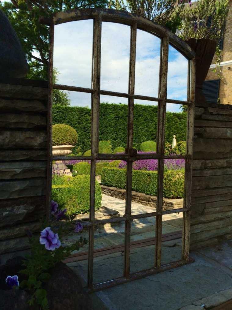 Miroir de jardin  comment lutiliser pour une dco originale