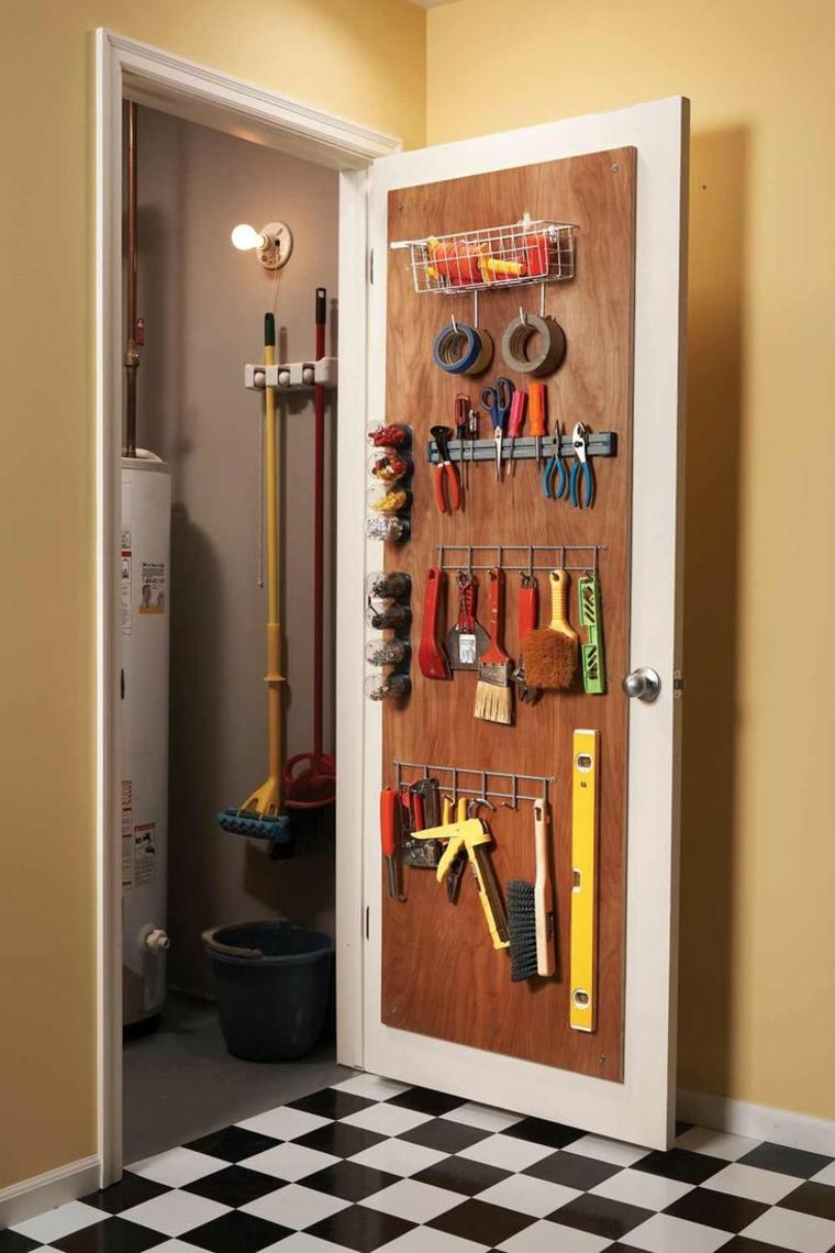 Range outils de jardin et organisation du garage
