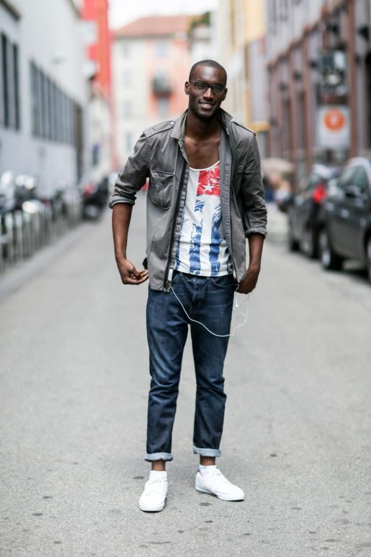 tendance mode homme veste grise jeans maillot