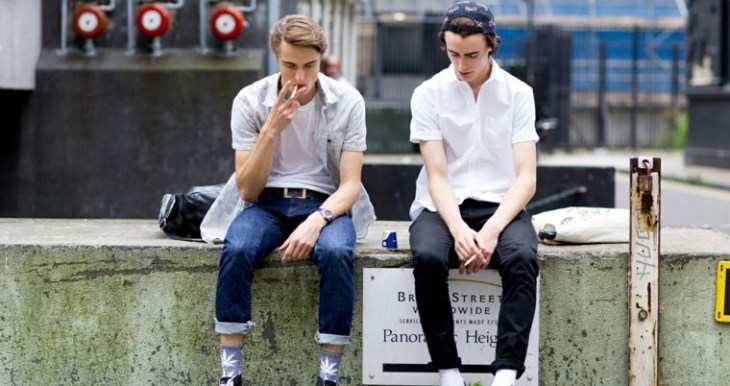 mode tendance homme street style jean pantalon tendance chemise idée londres